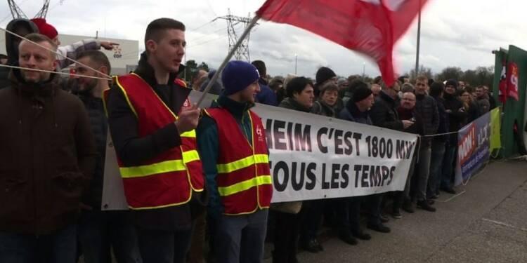 Manifestation devant la centrale de Fessenheim