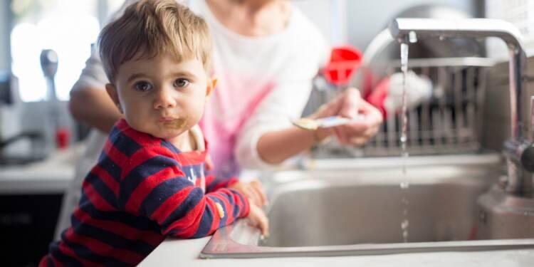 Garde d'enfant : l'effet pervers insoupçonné des réformes Macron