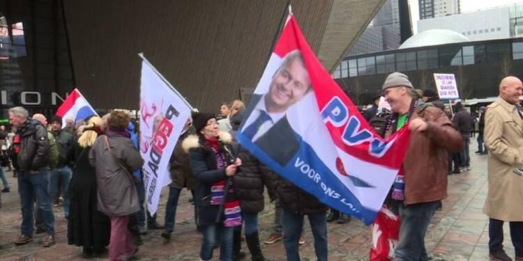 Pays-Bas: l'extrême droite manifeste contre l'Islam
