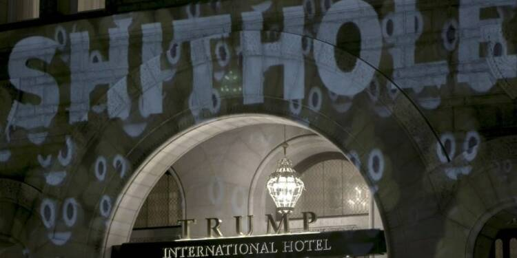 Robin Bell, l'artiste militant qui s'affiche sur le Trump Hotel
