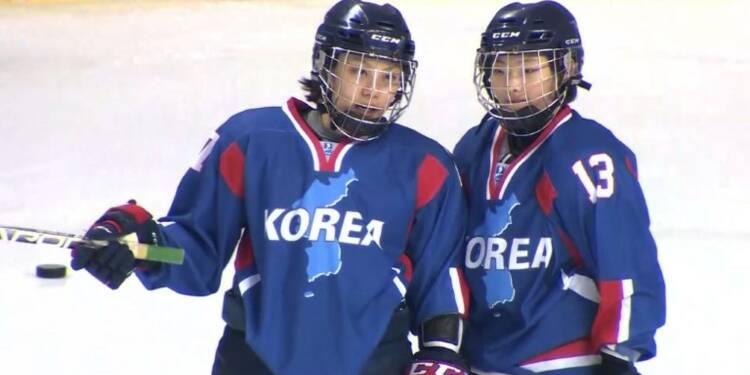 L'équipe mixte coréenne de hockey sur glace teste la glace