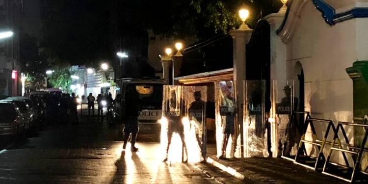 Les Maldives s'enfoncent dans le chaos politique