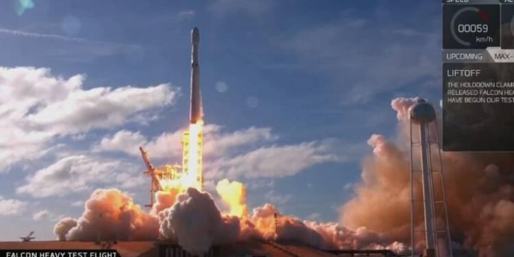Décollage de Falcon Heavy, fusée la plus puissante du monde (2)