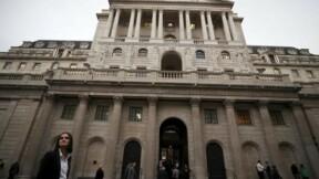 La Banque d'Angleterre durcit le ton sur les taux