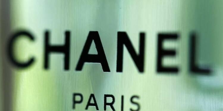 15712ff0816b Pourquoi Chanel investit-il dans la plateforme de vente en ligne Farfetch