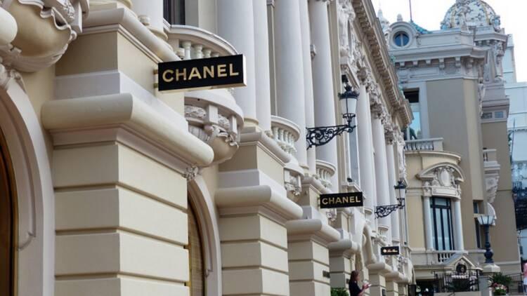 Chanel, L'Oréal... Qui sont les employeurs préférés des salariés de la cosmétique