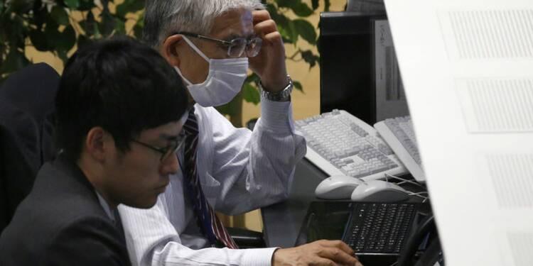 Le Nikkei à Tokyo finit en baisse de 1,07%
