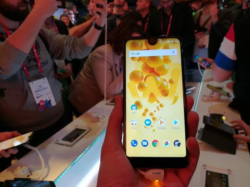 Wiko présente son View 2, inspiré du design de l'iPhone X
