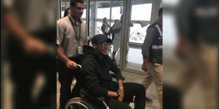 Pour Neymar, arrivé au Brésil, opération samedi