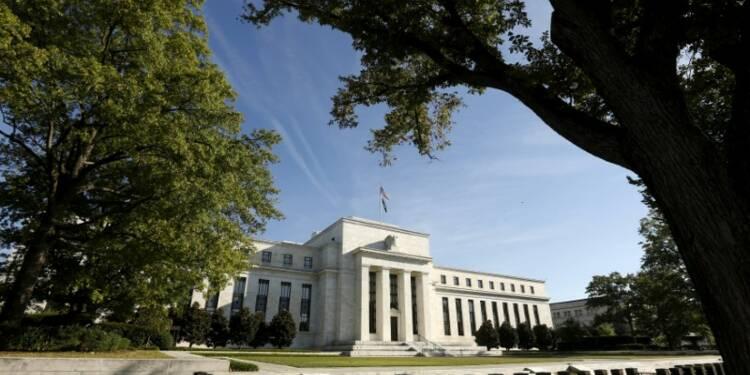 USA: Le marché de l'emploi reste tendu, inflation modérée, dit la Fed