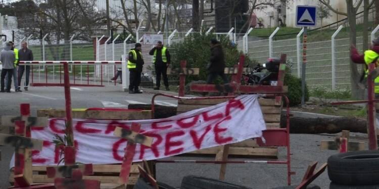 Les grévistes Coca Cola attendent l'ouverture d'une médiation