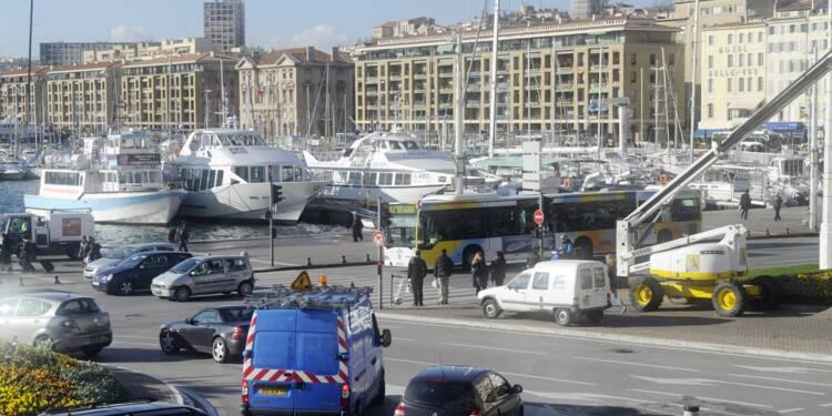 Pluie de PV, couacs en série... Marseille imite Paris