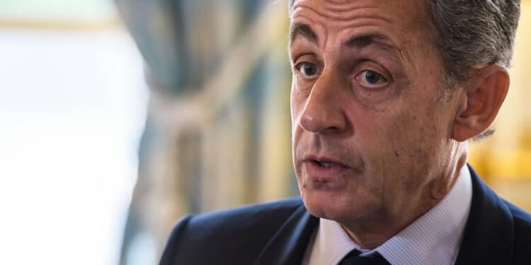 Nicolas Sarkozy applaudit la présidence à vie du Chinois Xi Jinping