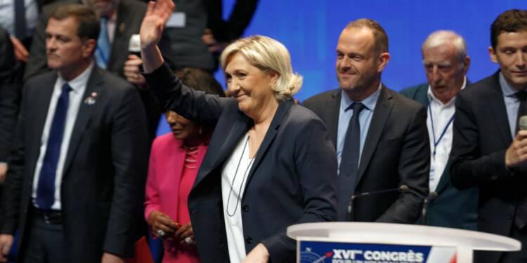Soupçonné d'insultes racistes dans une vidéo, l'assistant parlementaire de Marine Le Pen suspendu