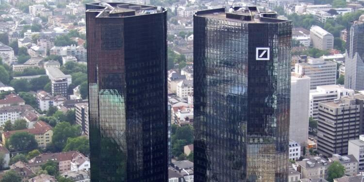 2 milliards d'euros de primes chez Deutsche Bank, qui pourrait supprimer 4.000 emplois!