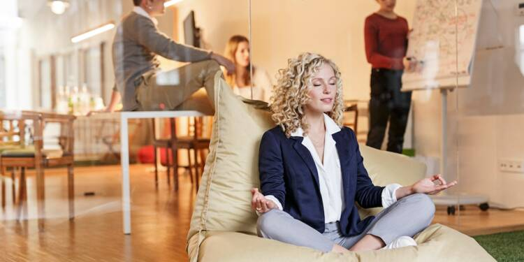 Comment pratiquer la pleine conscience durant votre journée de travail