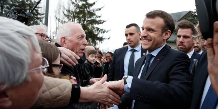 """Hausse de la CSG : Macron assure à des retraités mécontents ne pas l'avoir fait """"pour pomper"""""""