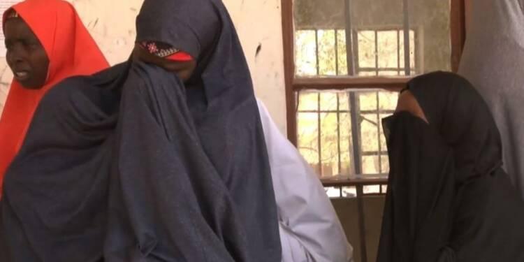 Nigeria: Buhari rencontre les parents des écolières enlevées