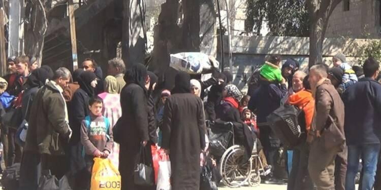 Syrie: des civils continuent de fuir la Ghouta orientale