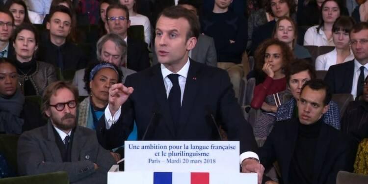 Macron pour une alliance de médias contre les fausses nouvelles