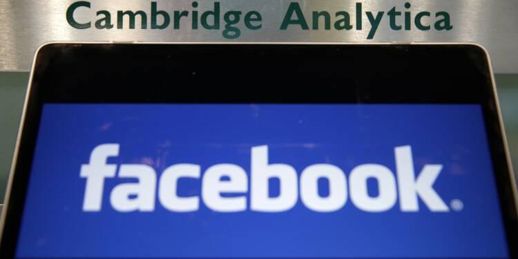 """Cambridge Analytica annonce cesser """"immédiatement toutes ses opérations"""""""