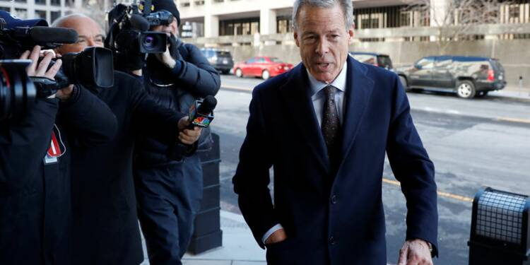 La justice demande à un juge de bloquer la fusion AT&T-Time Warner