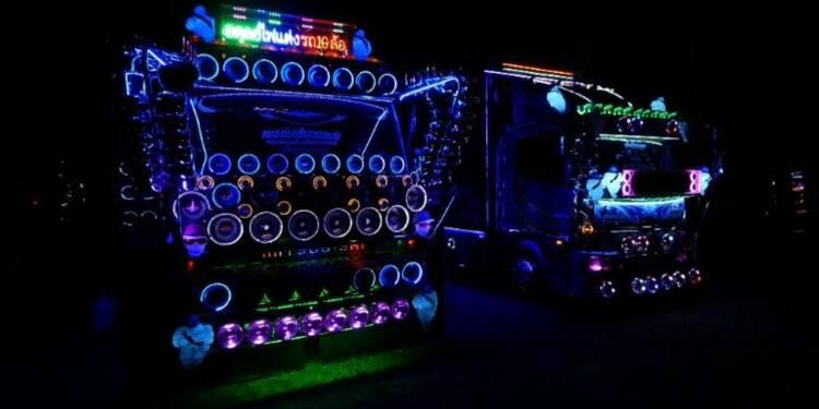 Fans de camions customisés en Thaïlande