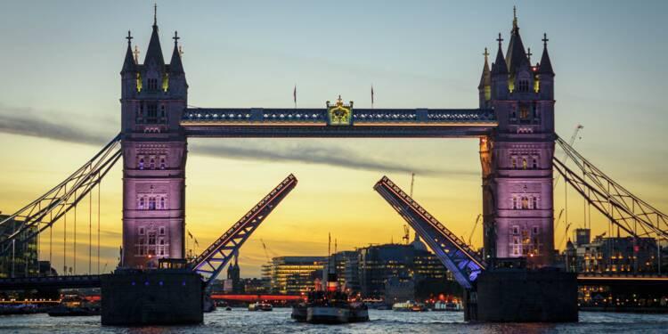 Brexit : la Banque d'Angleterre tire la sonnette d'alarme sur le risque financier
