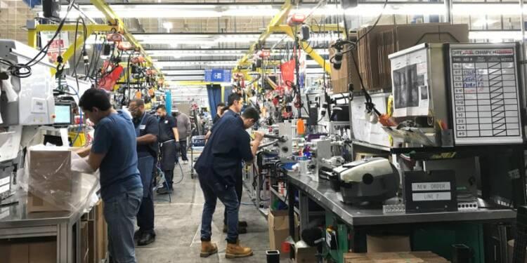 USA: L'activité dans le secteur manufacturier recule plus que prévu en mars