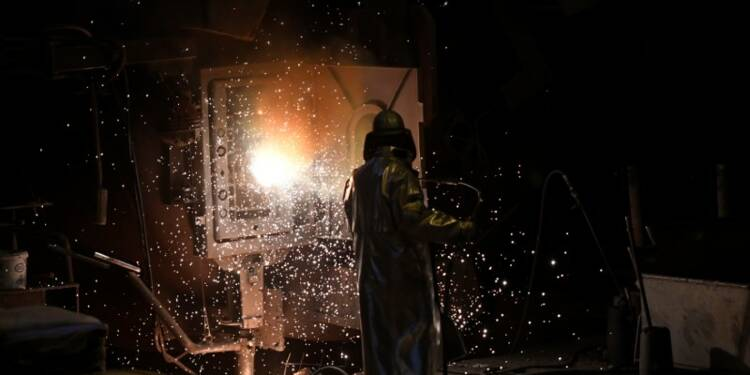 Allemagne: Rebond des commandes à l'industrie en février