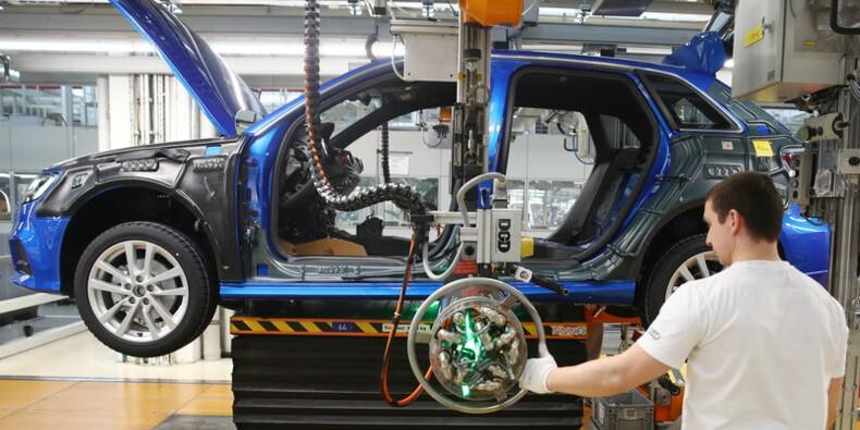 Le marché automobile européen en baisse de 6% en mars, selon LMC