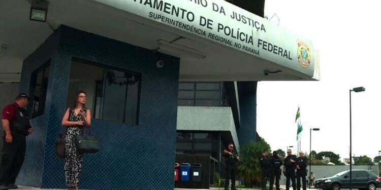 Brésil : Lula attendu par la Police Fédérale de Curitiba (2)