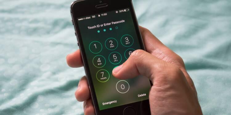 Garde à vue : il est désormais obligatoire de donner le code de son portable