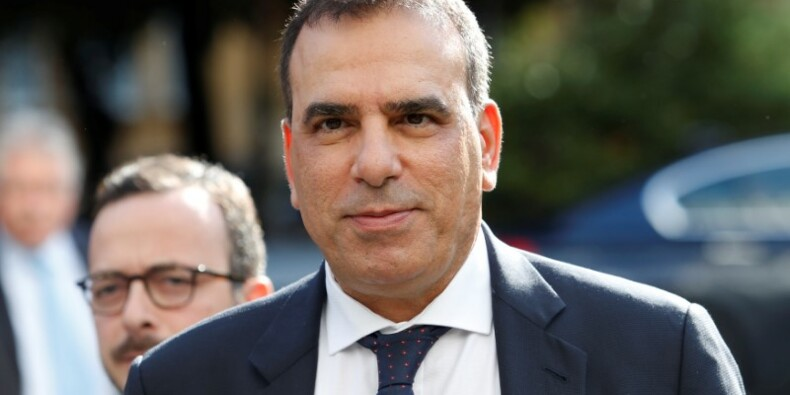 Le patron de T. Italia menace de partir si Elliott l'emporte