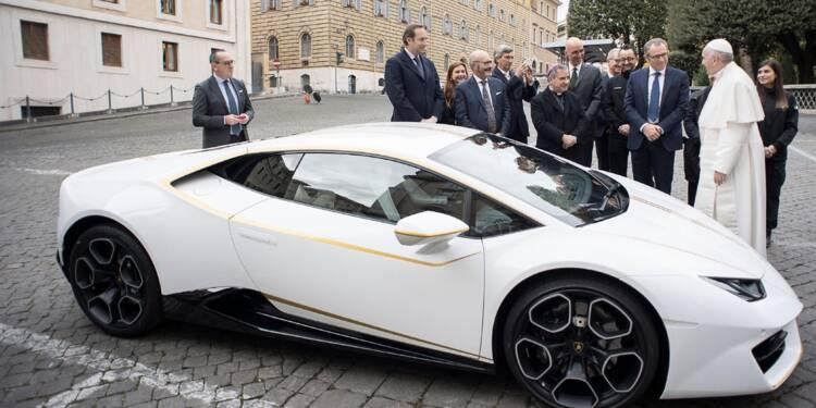 Le pape François et sa Lamborghini Huracán coupé