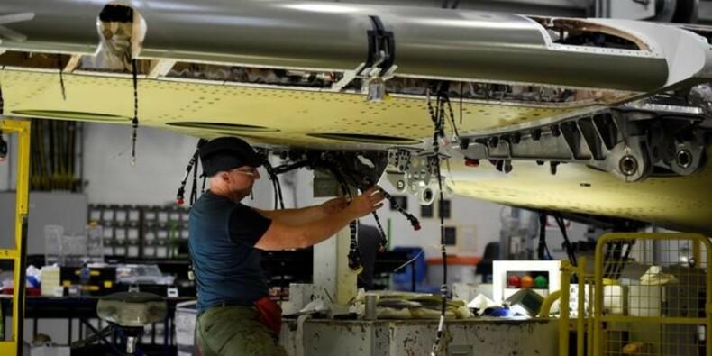 Le PMI manufacturier britannique à un creux de 17 mois