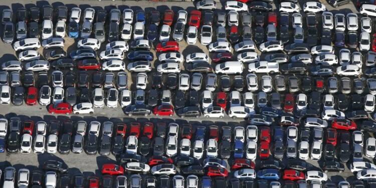 En avril, le marché automobile explose, Peugeot en tête