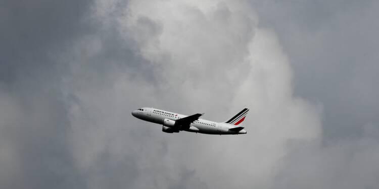 Air France: 85% des vols assurés jeudi, 10 à 18,8% de grévistes