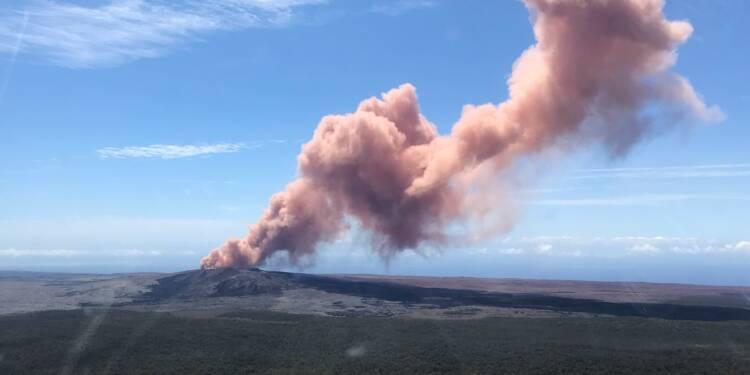 Un séisme de magnitude 6,9 frappe Hawaï sur les flancs d'un volcan en éruption