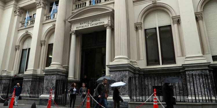 L'Argentine porte ses taux à 40% pour enrayer la chute du peso