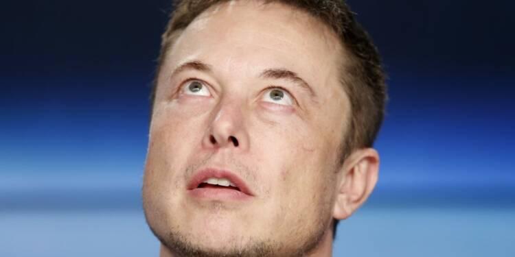 Tesla: Musk fait amende honorable après avoir snobé des analystes