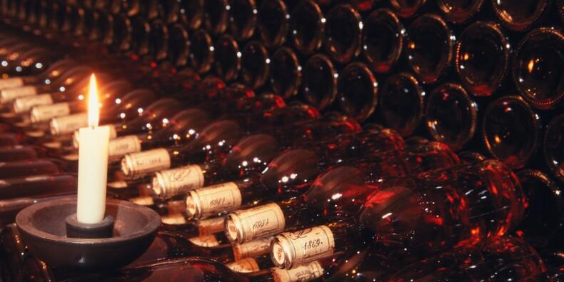 Les plus vieilles bouteilles de vin du monde aux enchères