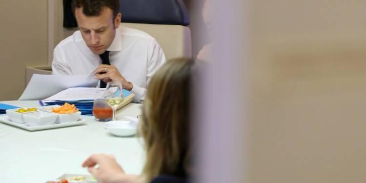 Une heure de vol avec Emmanuel Macron, ça coûte cher