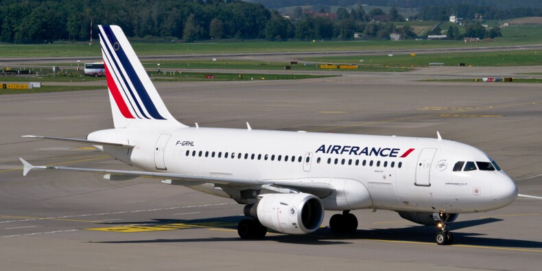 Emmanuel Macron serait prêt à céder la part de l'Etat dans Air France KLM