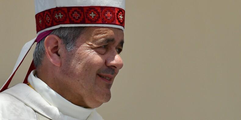 Pédophilie: le pape accepte démission de 3 évêques chiliens dont Mgr Barros