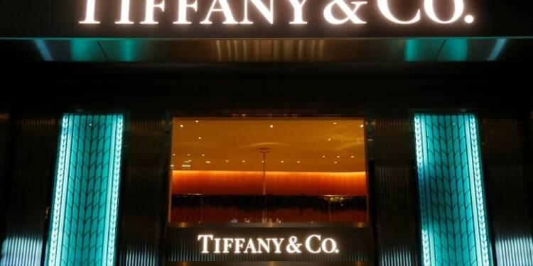 Tiffany bat le consensus au 1er trimestre, l'action bondit