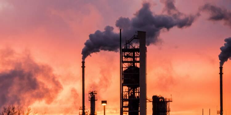 Pétrole : le prix du baril de Brent flambe, les stocks plongent