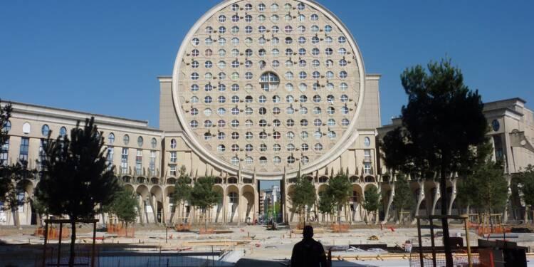 Bâtir des HLM sans architecte ? L'idée folle d'Emmanuel Macron