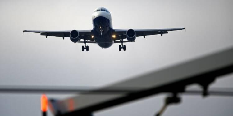 Les tensions commerciales inquiètent le transport aérien