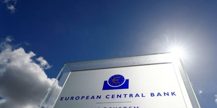 La BCE a réduit ses achats de titres italiens malgré la crise politique